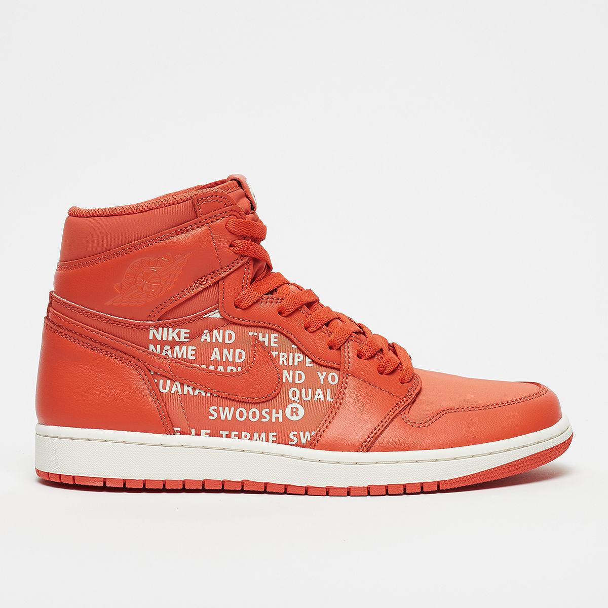 Nike Air Jordan 1 Retro High OG Vintage Coral Size 8.5. 555088-800