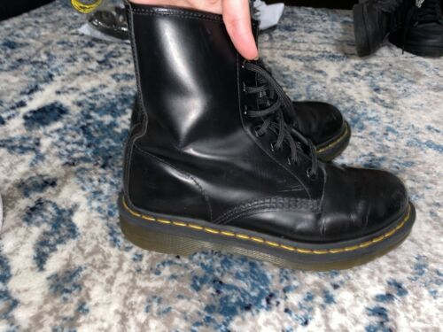 Dr. Martens Women's Leather 8 Eyelet Boots Size 7