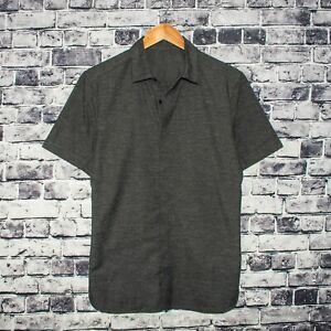 Lululemon-Men-039-s-Short-Sleeve-button-up-Shirt-Gray-w-Side-Pockets-Fits-Sz-Large