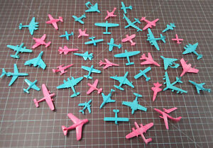 Lot-of-47-MPC-Small-Plastic-Toy-Plane-Set-Multiple-Products-Corporation