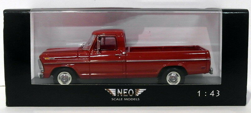 Der maßstab 1  43 - modell neo44845 - ford f-series - rot