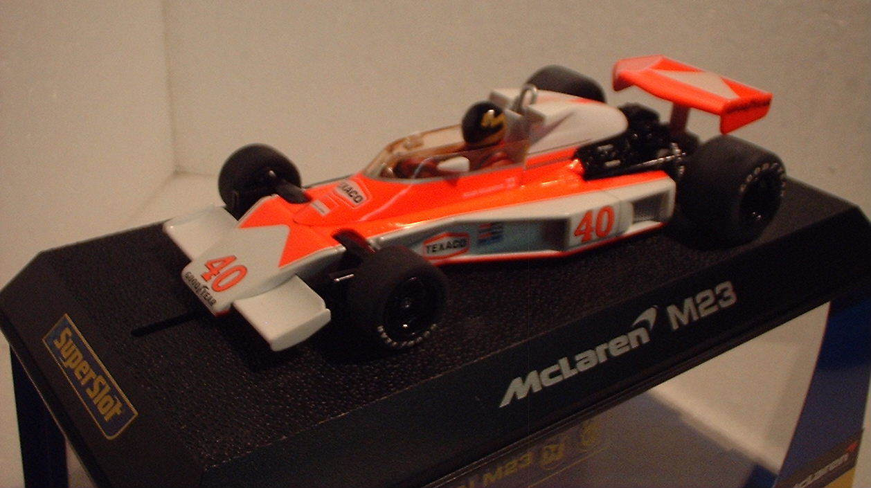 QQ H2800 Superslot Mc Laren M23 F1  40 Gilles Villeneuve - Scalextric UK