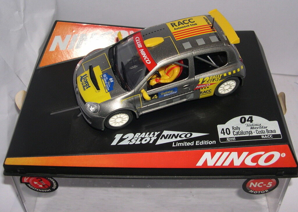 NINCO 50353 RENAULT CLIO CATALUNYA COSTA BRAVA 2004  OFFICIAL DRIVER  LTED.ED