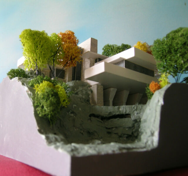 F.L. WRIGHT, FALLINGWATER 1:200 Architecture scale model, made in Italy, perfect