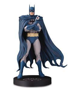 DC-Designer-Series-Batman-Par-BRIAN-BOLLAND-Mini-statue-NEW-boxed