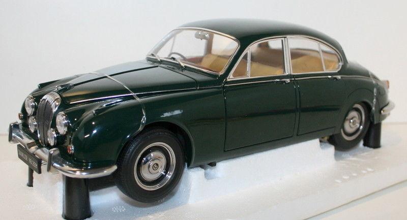 Paragon 1/18 Scale diecast PA-98314R Daimler 250 V8 1967 RHD - B.R.verde