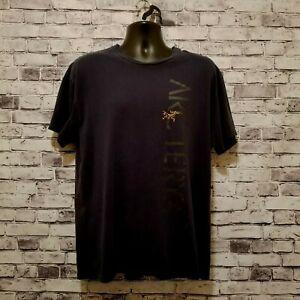 ARC-039-TERYX-Mens-T-Shirt-Sz-XL-Black-Short-Sleeve-100-Cotton-Crew-Neck-Front-Logo