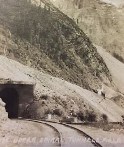 Postcard-C-P-R-Train-Tunnel-Banff-Canada-Vintage-P21