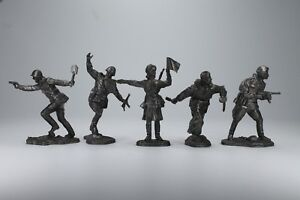Tin-toy-WWII-soviet-figures-soldiers-54-mm-exclusive-for-collection