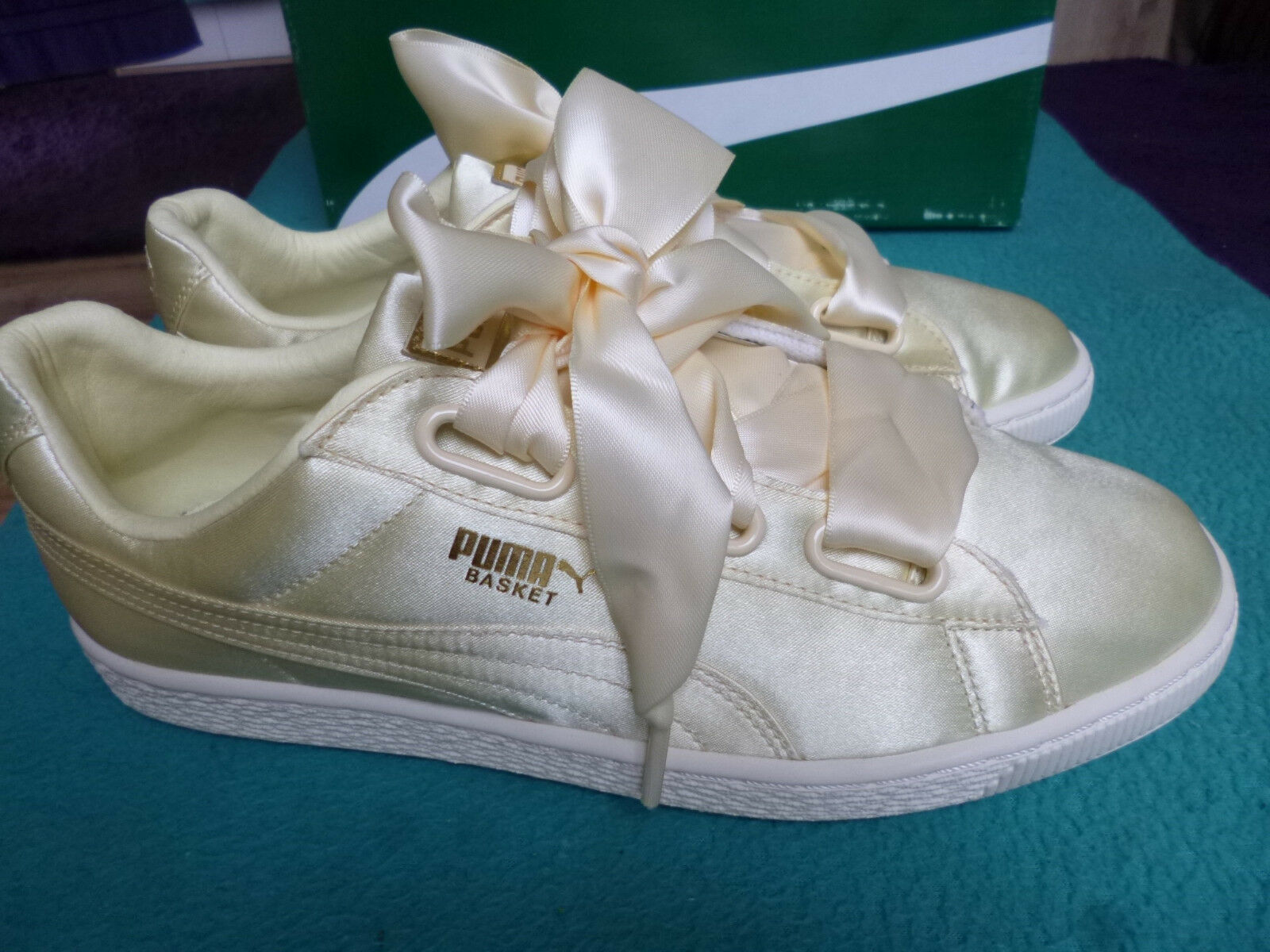Puma Basket Heart Satin dans teinte jaune d'or-Taille 37-top Chaussures Femmes Basket-Neuf