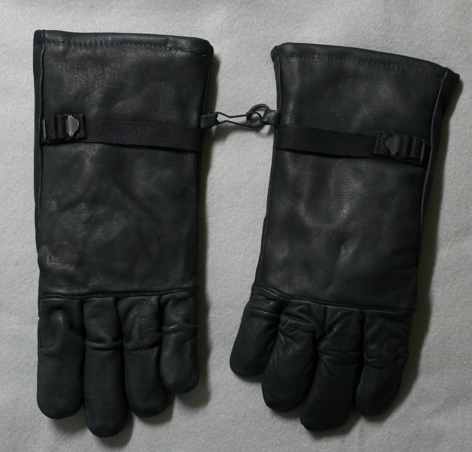 Genco Military Black Leather Gloves Mens/Womens intermediate Cold/Wet Size 2