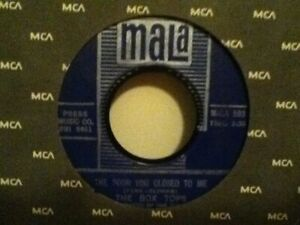 THE-BOX-TOPS-7-034-VINYL-SINGLE-CRY-LIKE-A-BABY-THE-DOOR-YOU-CLOSE