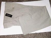 Reunion Men's 33 X 32 Fine Gray Check Dress Pant Dbl. Pleat Polyester Blend