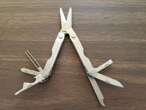 Leatherman Micra keychain multitool scissors with tweezers good condition!
