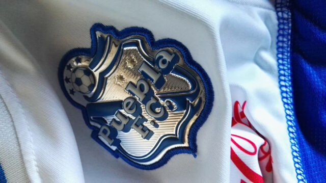3dcb86685 Team Puebla Womens Official Soccer White Jersey Pirma Size M CH 2012 ...