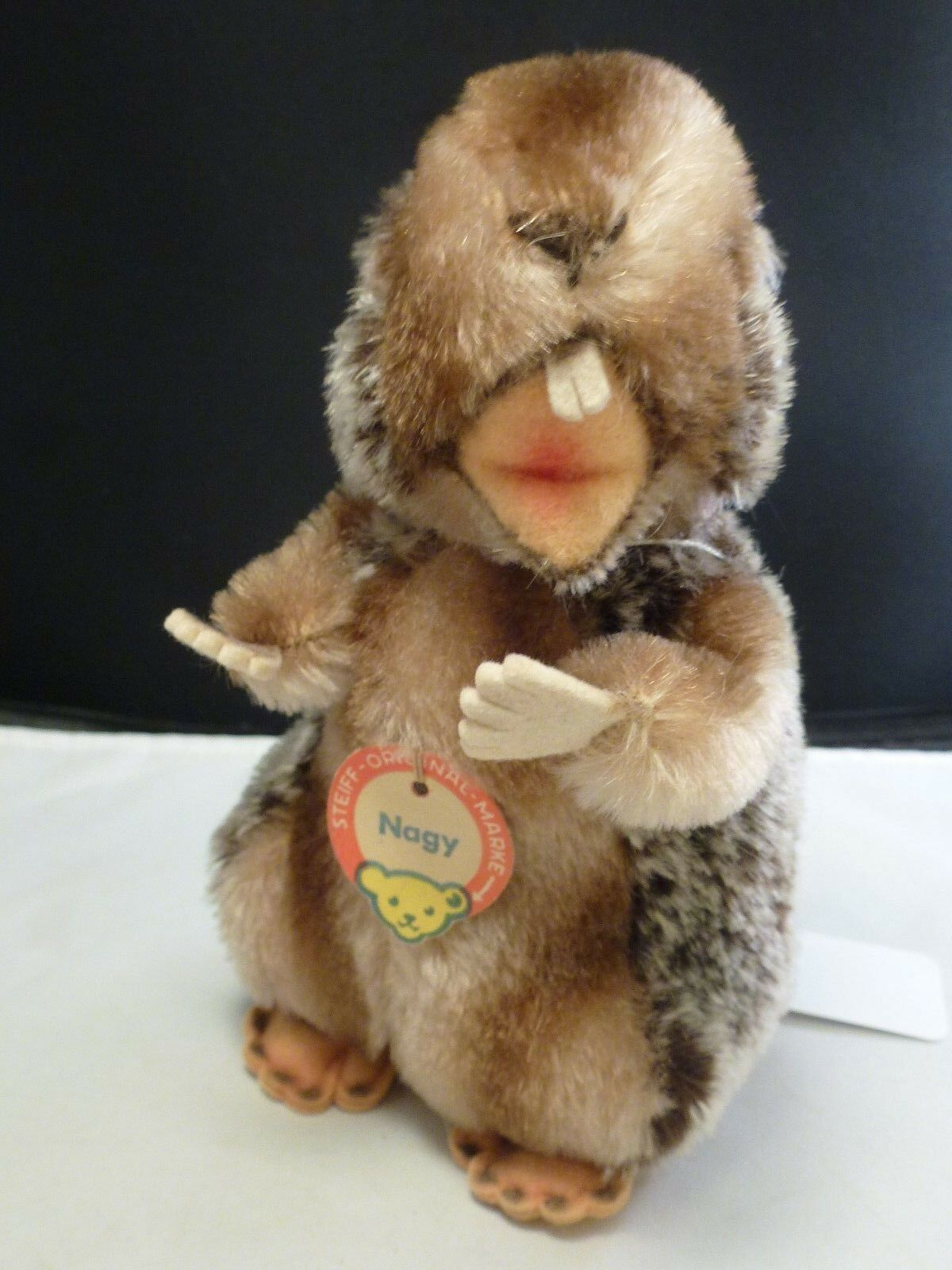 VINTAGE Steiff  Nagy  with  button and tag  1958-64     7  tall     BEAVER