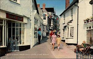 Lyme-Regis-Dorset-England-1978-Broad-Street-Bell-Cliff-Geschaefte-Strasse-Stores