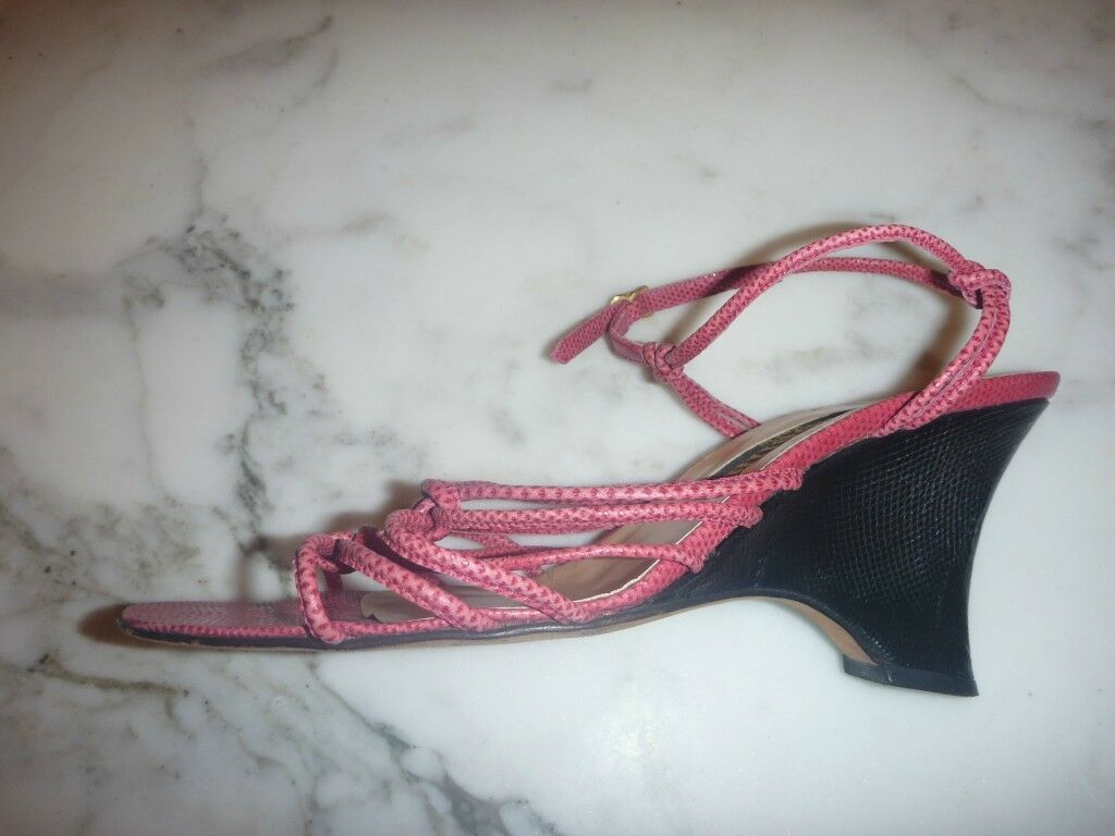 Strappy Ladie's wedge in Black and pink Lizard made in