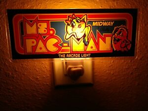 Ms. Pac-Man Arcade MARQUEE Lumière Nuit
