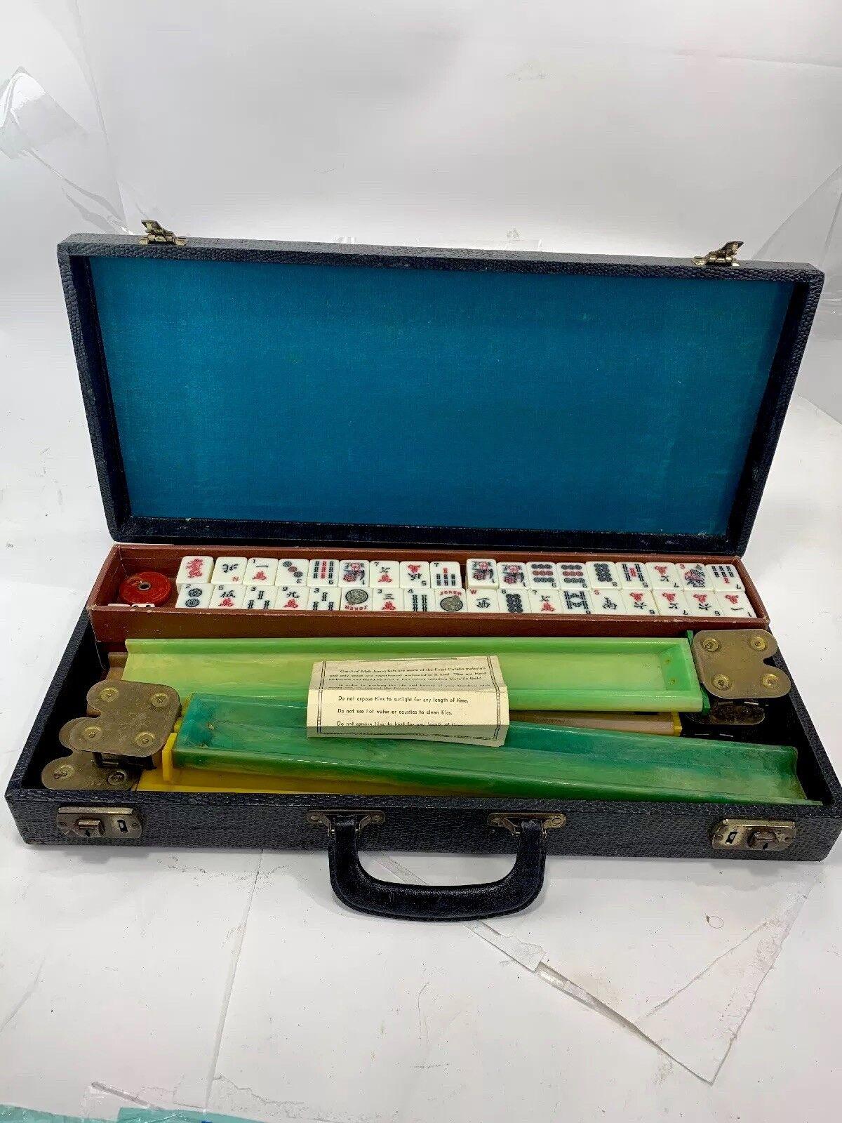 respuestas rápidas Vintage cardenal mAh Jongg Jongg Jongg conjunto 152 Azulejos Mah Jong Mahjong Rack De Baquelita 4 Jocker  online barato