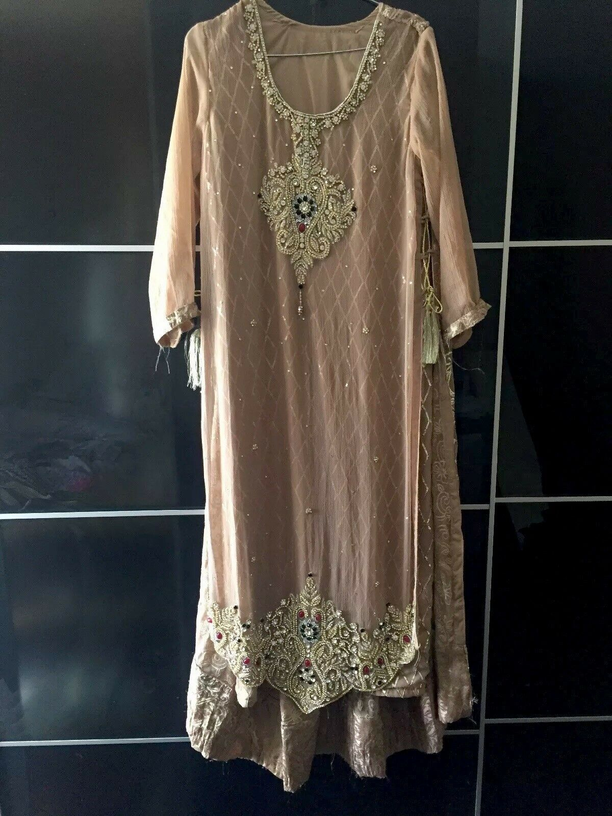 Rare Stunning South Asian embroidered Long Kameez Dress Size M Oversized look
