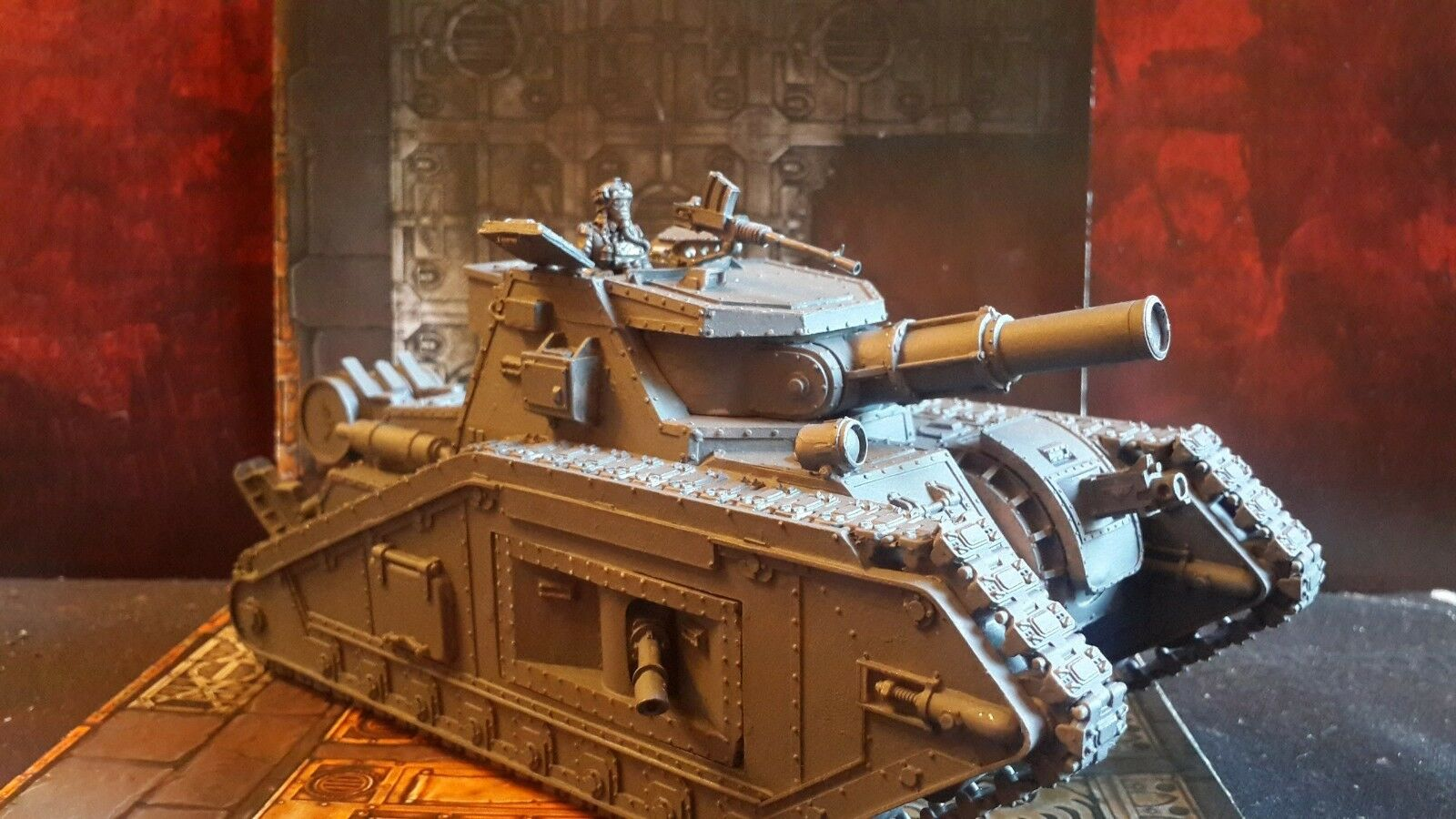 Malcador with Battle Cannon + Tank Commander Warhammer 40k primed (1)