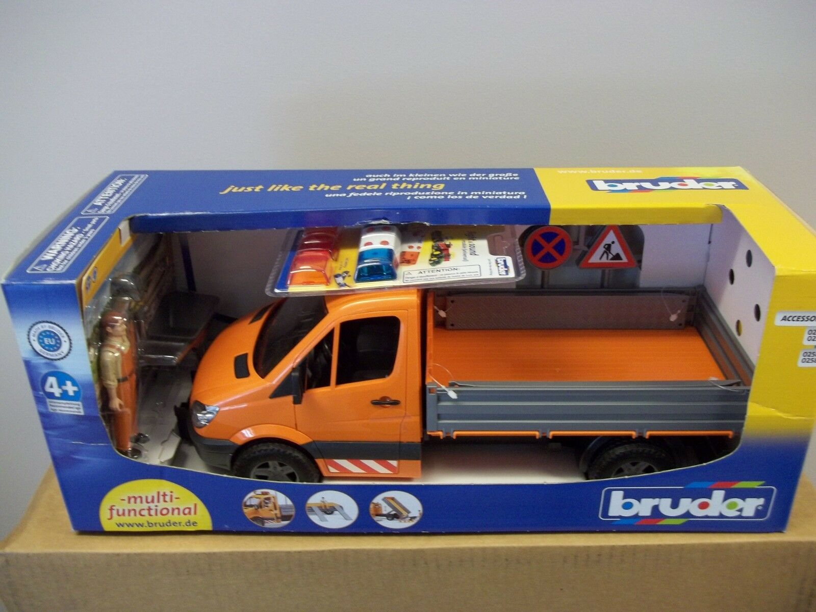 BRUDER MB SPRINTER MUNICIPAL WITH WORKER, LIGHTS AND SOUNDS 2537