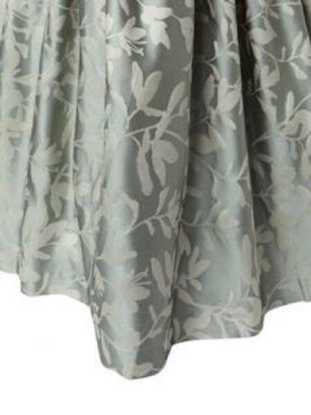 $925! Nwt Ann Gish Willow Frost / Ivory 100% Silk King Gathered Bedskirt Beroemd Voor Geselecteerde Materialen, Nieuwe Ontwerpen, Prachtige Kleuren En Prachtige Afwerking