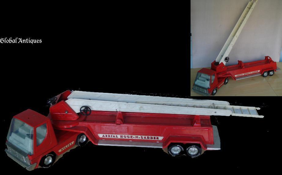 """Antiguo Gran 31 """" Niño de estaño de juguete camión de bomberos w ladder"""