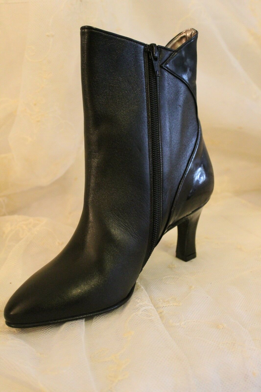 Élégant Femmes Bottines en cuir véritable noir taille 37 vernis nouveau neuf dans sa boîte