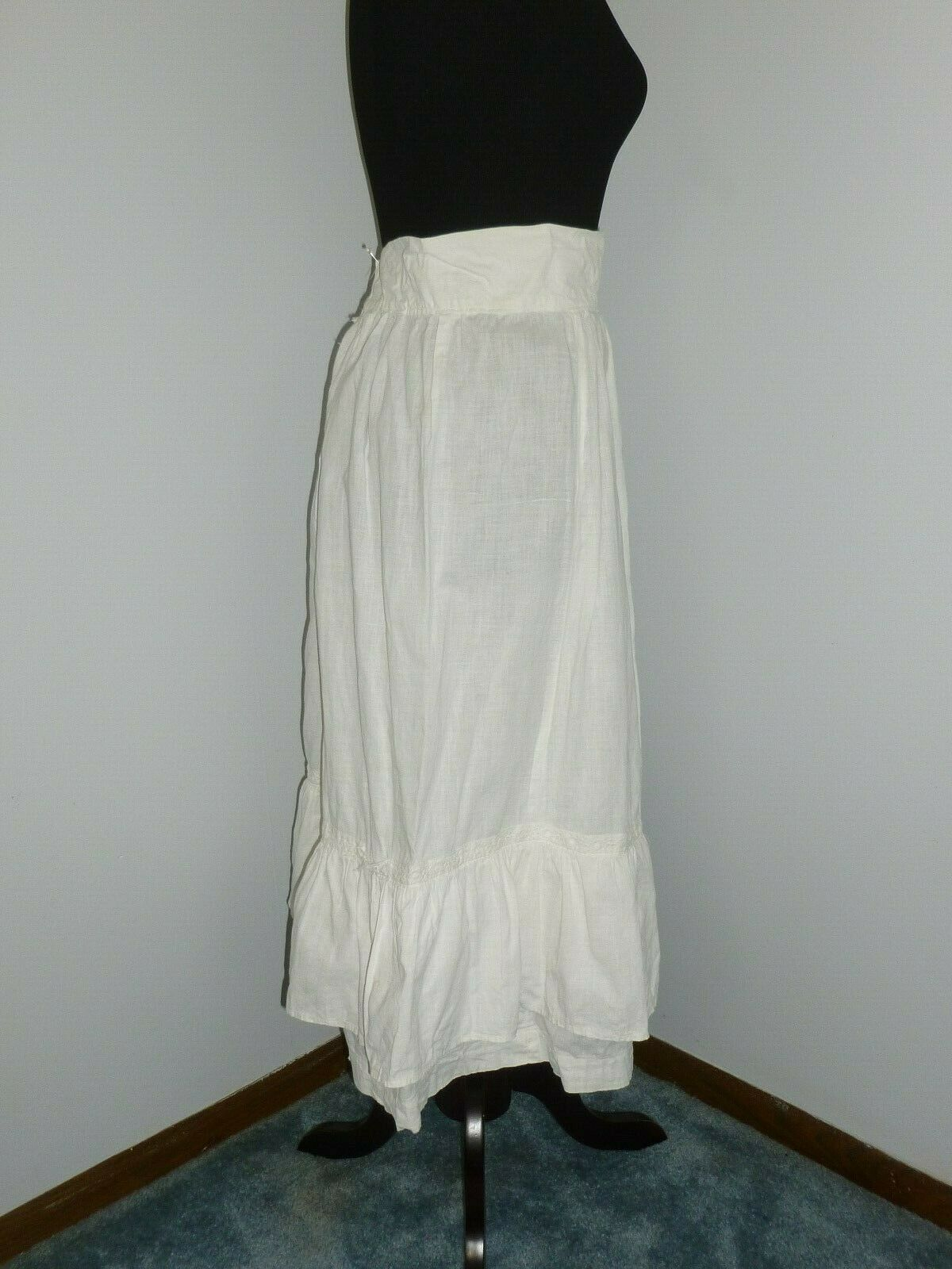 Antique LINEN Skirt~Embroidered Eyelet Lace Petti… - image 4