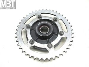 Yamaha-YZF-R1-RN04-Chain-Wheel-Mount-with-Sprocket-43T-Carrier-Sprocket-Bj-00-01