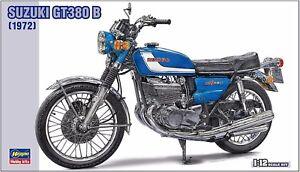 Suzuki-GT380-B-1972-1-12-Hasegawa