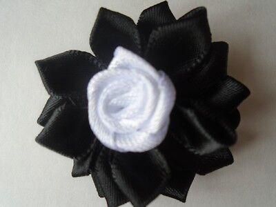 4 fleur satin 3D 40mm noir et blanche,applique scrapbooking couture collage.