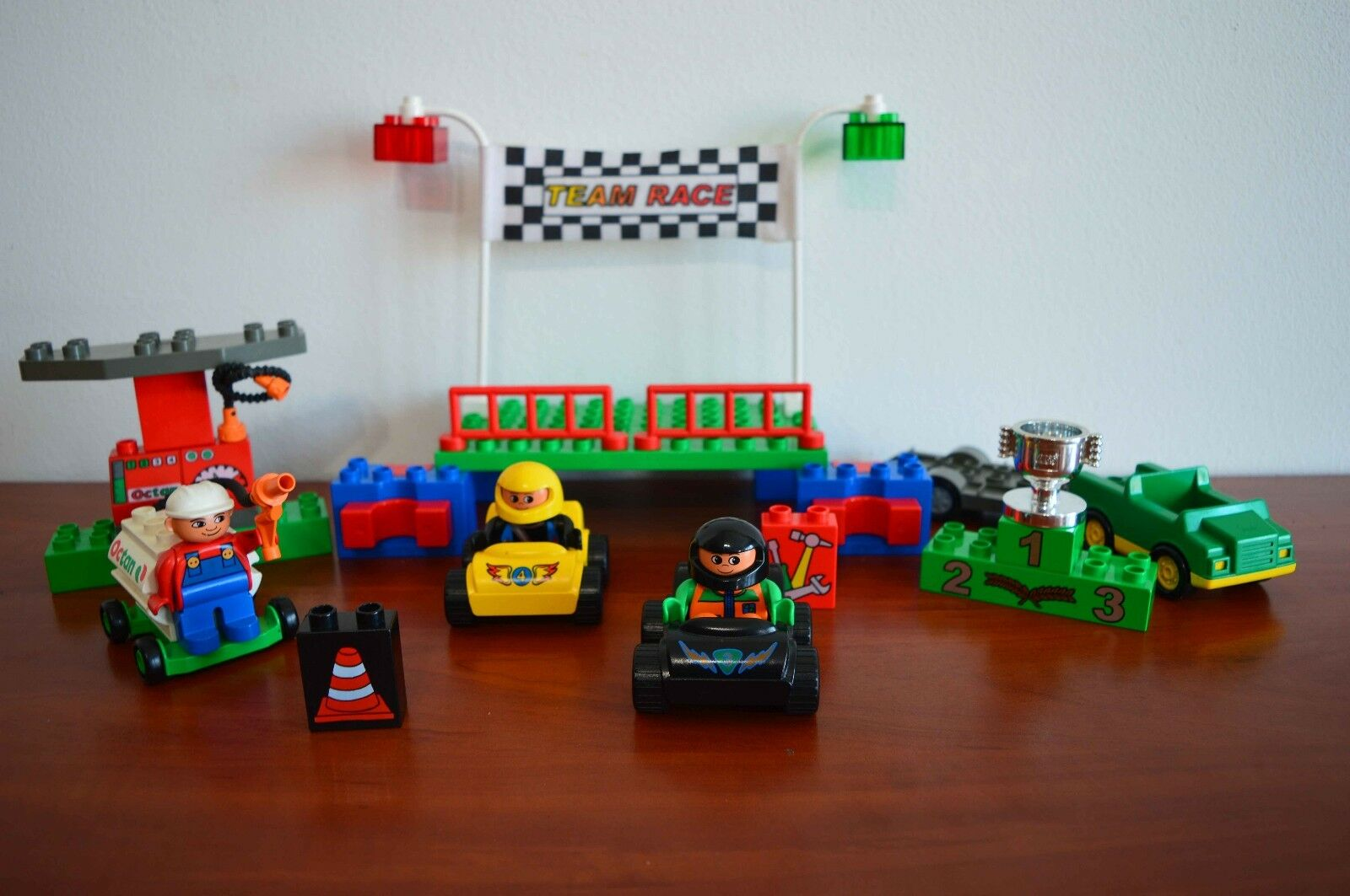 Lego Lego Lego Duplo Explore Logic Town Race Set like 3614-1 Racing - free shipping d25fb7