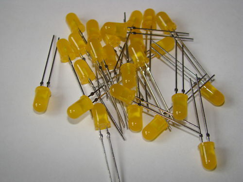 LED YELLOW LIGHT EMITTING DIODE 50 PCS//BAG 5mmDia TLHY
