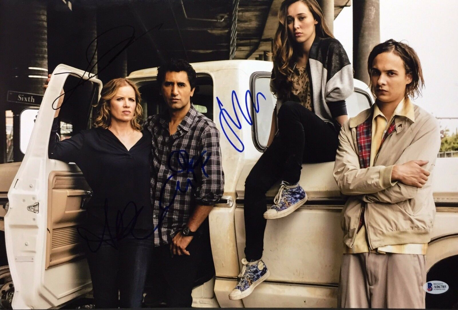 Cliff Curtis F Dillane Alycia D. Carey Kim Signed Walking Dead 12x18 Photo BAS