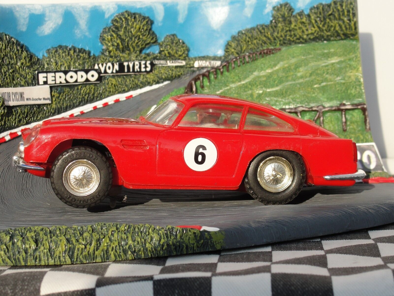 SCALEXTRIC 1960'S ASTON MARTIN DB4 GT  RED  C68  1 32 SLOT  USED BOXED