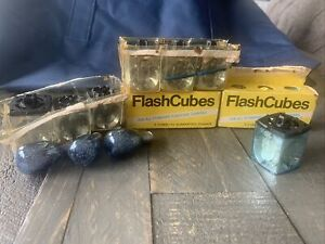 Lot Of 16 Vintage Magic Cubes Flash Bulbs GE & Various Loose