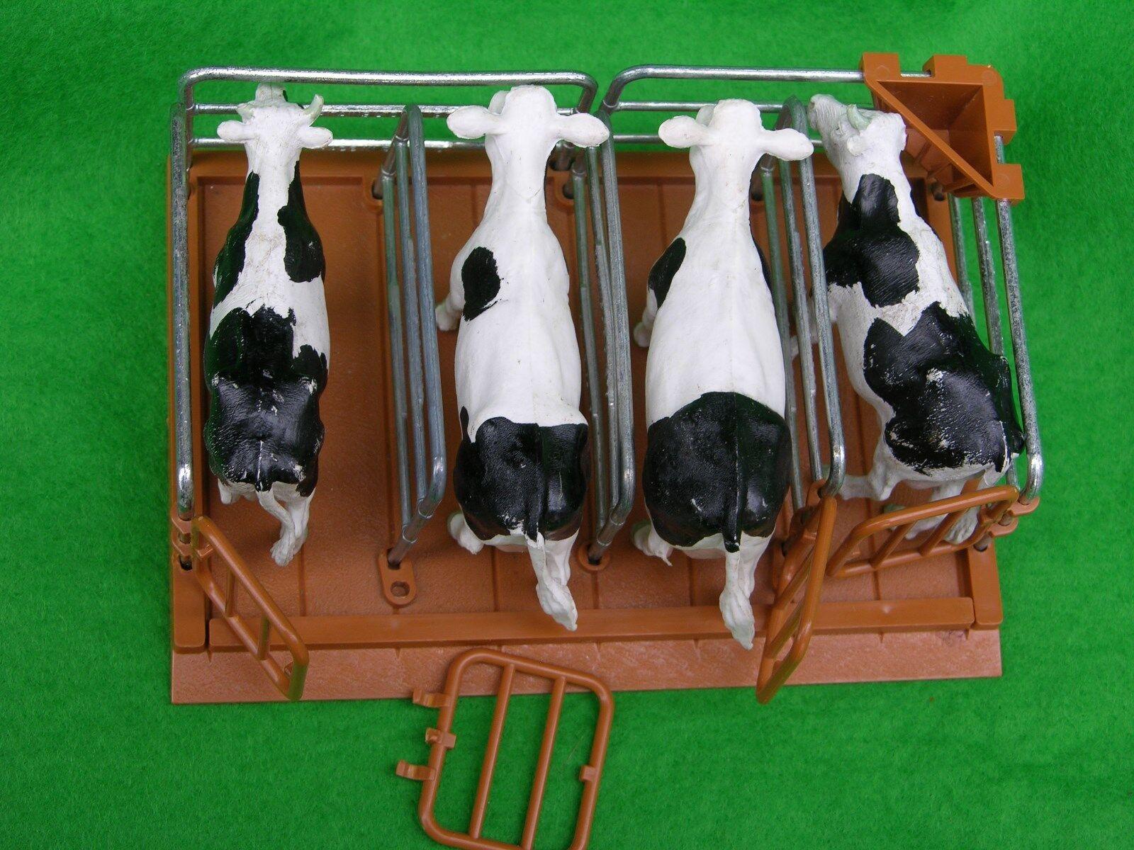 BRITAINS FARM ANIMALS,  CATTLE PENS, MILKING STALLS, FARM SET
