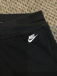 DéSintéRessé Femmes Nike Short Taille M-afficher Le Titre D'origine