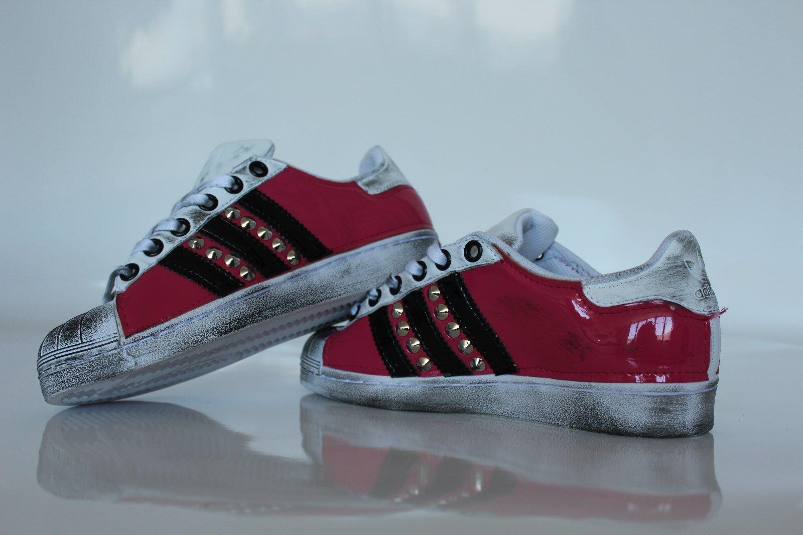 scarpe adidas super star nera con pelle rosa e nera star piu' borchie  e sporcatura 3c146a