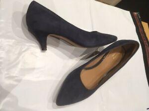 clarks women blue suede kitten heel