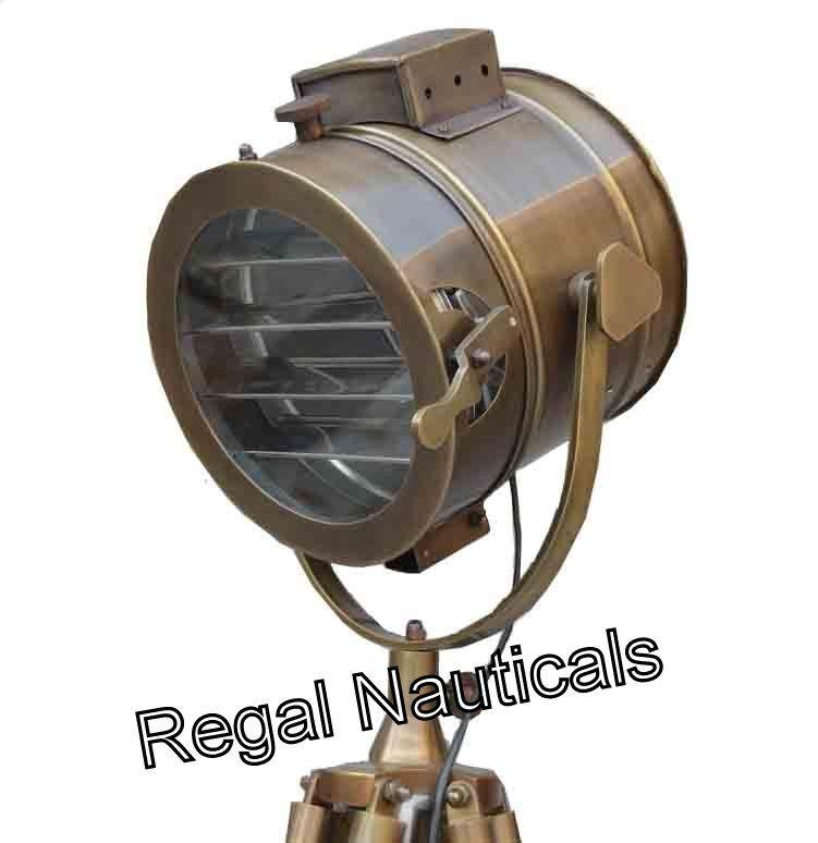 Handgemachte braune Studio-Stehlampe mit Stand-Seestativ Marine Searchlight