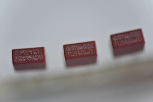 Carré Plastique Fusible 0.5 To 6.3 A Type 250 V 392 utilisés sur la plupart des TV LCD Power Board
