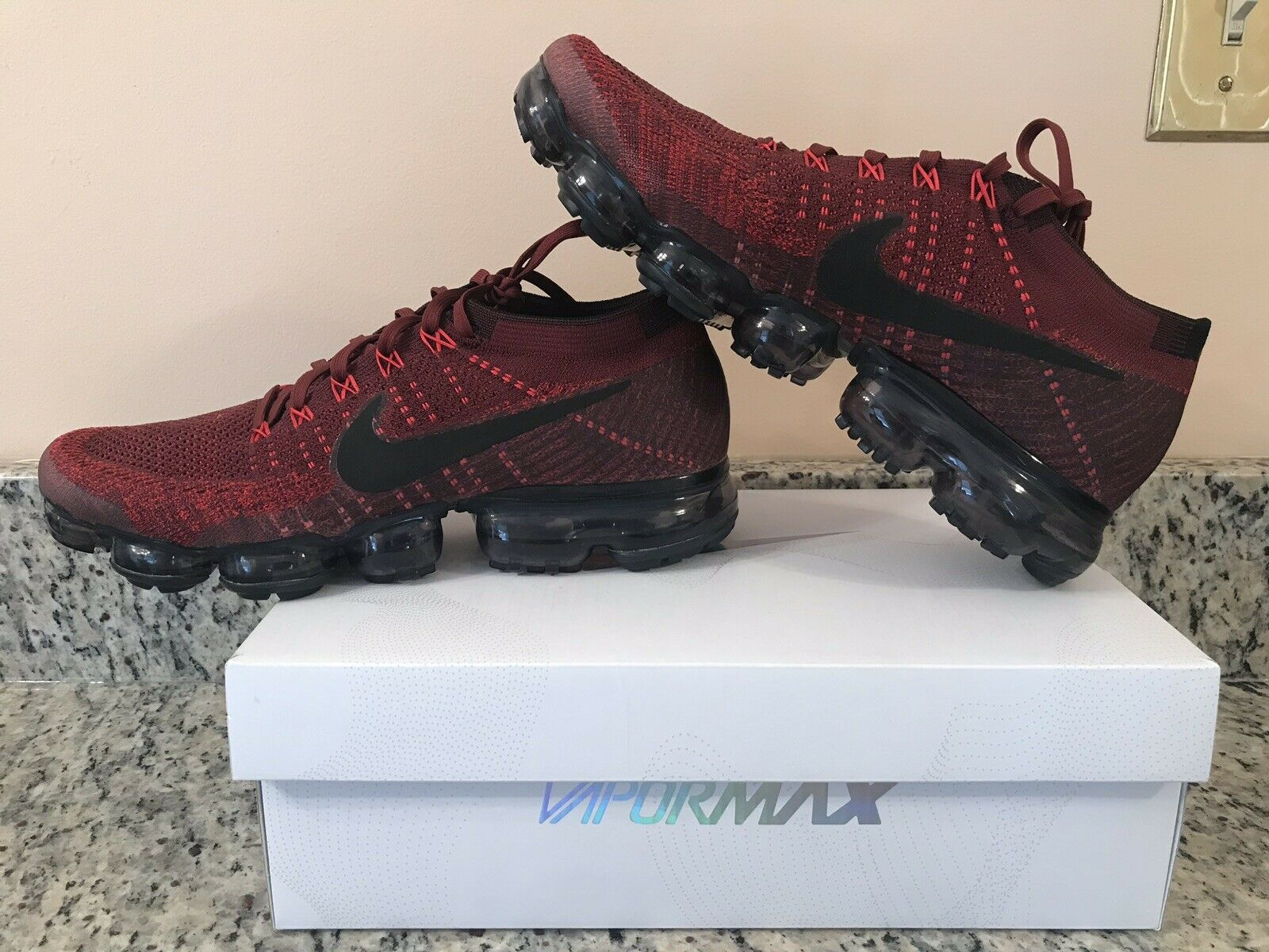 Nike Air Flyknit Vapormax 849558 601 Dark Team Red Black Size 10 RARE