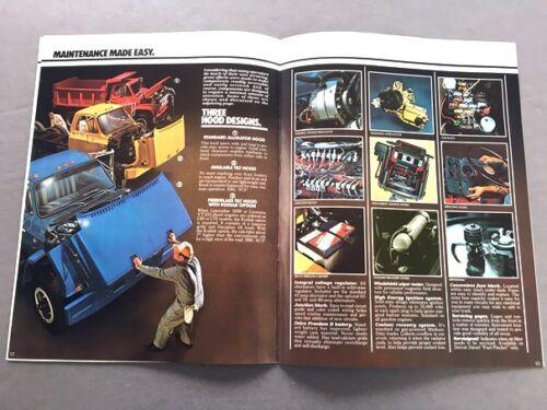 1981 Chevrolet Chevy Medium Truck 16-page Sales Brochure Catalog Tandem CS 50