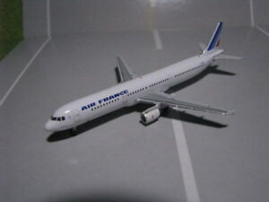 STARJETS-500-SJAFR146-AIR-FRANCE-A321-1-500-SCALE-DIECAST-METAL-MODEL