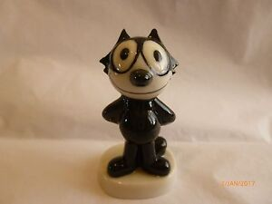 Wade-WHIMSIE-POSING-FELIX-2-INCHES-TALL