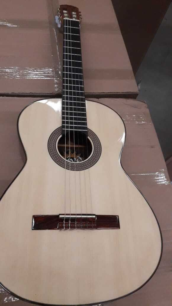 Diva by Paracho Classical Guitar Hand Made in Mexico Canadian Cedar Top